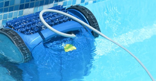 Importance of cleaning the pool